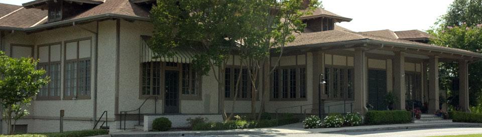oakwood-clubhouse