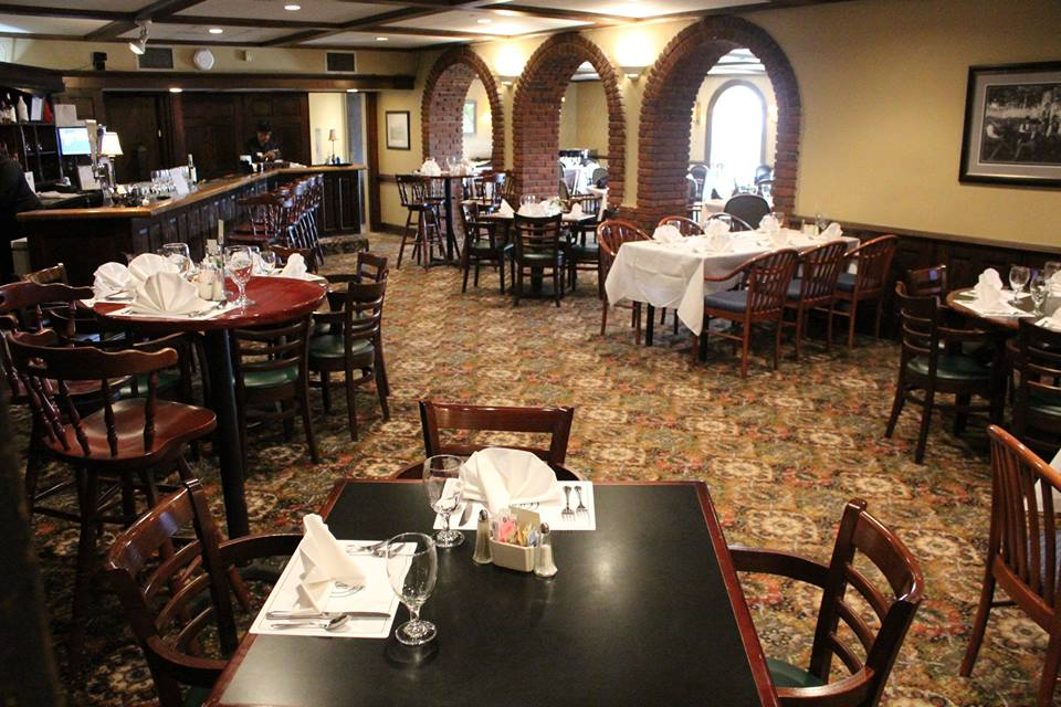 Grill Room | Oakwood Country Club
